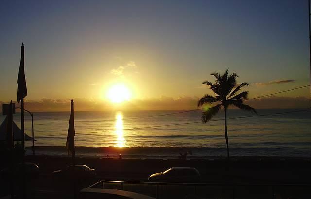 Vista do Boa Viagem Praia Hotel. Amanhecer