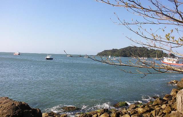 Vista do Deck Que Liga a Praia de Bombinhas a Praia Lagoinha