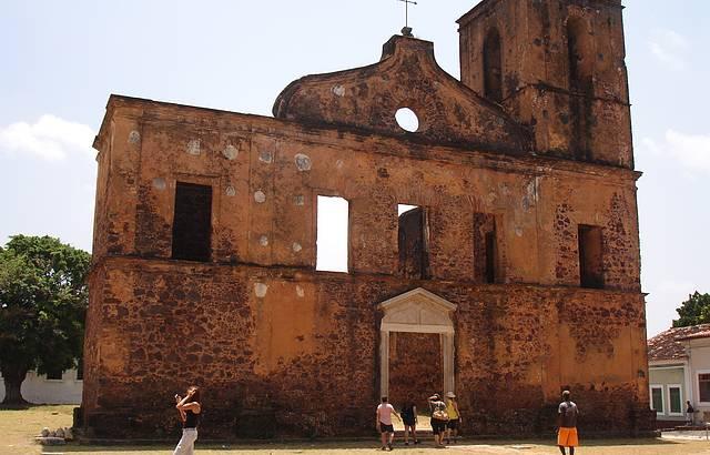 Passeio histórico em Alcântara