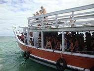 Escuna que nos leva até o Parque Marinho de Recife de Fora