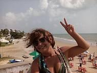 Bonita Praia e com fácil e barato acesso