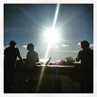 Mirante: pôr do sol e espumante