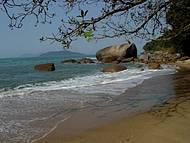 Metade da Praia da Raposa. Essa metade já é linda. Imagine a praia inteira?!