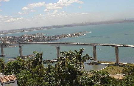 Por que ir - Vila Velha (ES) - Vista do Alto do Convento da Penha - 3ª Ponte