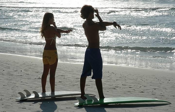 Atividade é praticada em várias praias da região