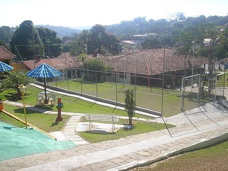 Pousada Alegria - Futebol em campinho gramado.