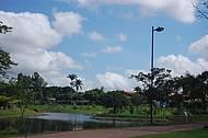 Uma das várias praças de Goiânia.