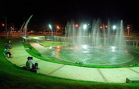 Praça da Fonte - Áreas verdes são pontos de encontro