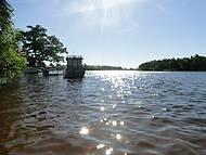 Passeio de barco no rio