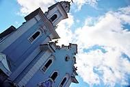 No centro da cidade, a Igreja do Largo � um marco hist�rico.