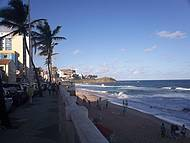 Calçadão da Praia da Barra