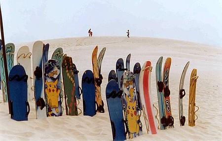 Sandboard é praticado ans dunas da praia da Joaquina