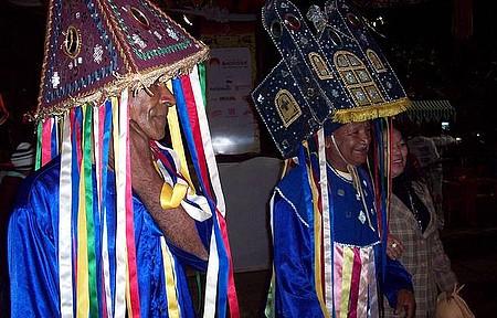 Tradição - Manifestações culturais, como o Reisado, continuam preservadas!