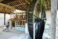Fazenda Pau d'Alho preserva moinho e é aberta à visitação