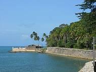 Vista do barco para o Forte de Tapirandu