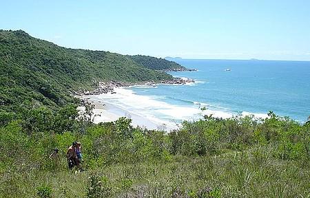 Praia de Ilhéus, só por trilha.