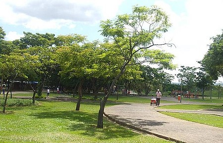 Parque Ipanema - Muitas sombras para descansar