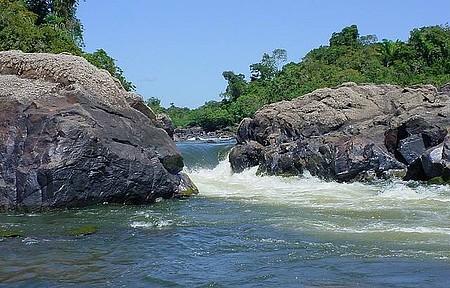 Cachoeira da Fumaça - Águas do Xingu formam belas quedas