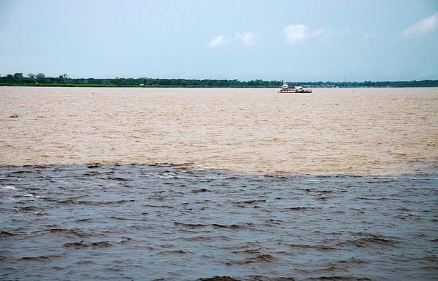 Passeio de barco em Manaus
