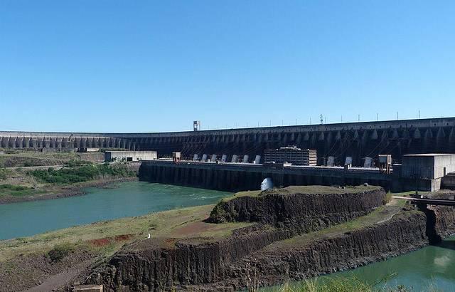 Barragem da Itaipu....