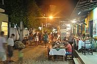 Restaurantes se concentram no centrinho da vila