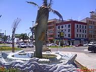 Bonito monumento no centro de Tramanda
