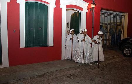 Festa da Boa Morte - Cortejo reúne senhoras em trajes especiais