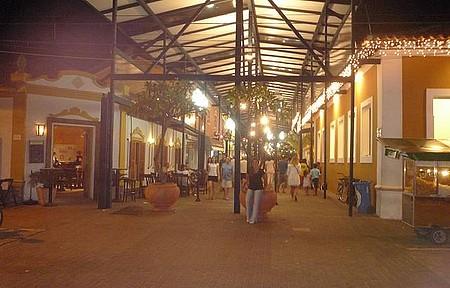 Vila - Centrinho - Vida Noturna na Vila, Centro da Ilha