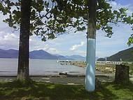 Caia do Itaguá ao fundo