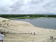 Vista de cima da duna onde é feito o esqui-bunda