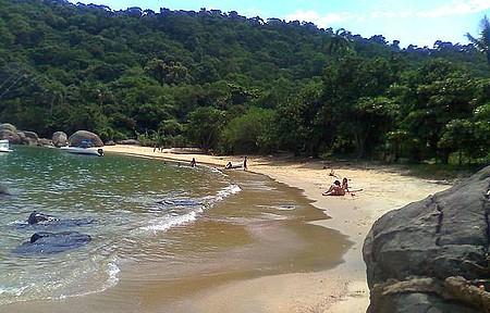 Ilha Guaíba - Uma bela praia em uma ilha paradisíaca.