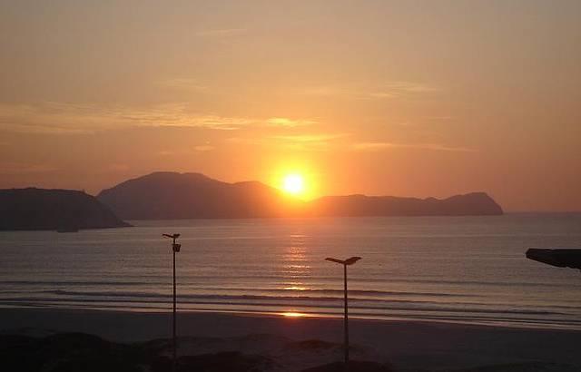 Nascer do sol na Praia do Forte: imperdível