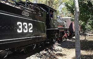 Maria-Fuma�a: Passeio tradicional � feito � bordo de locomotiva de 1925 -