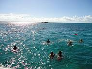 Águas cristalinas, ideal pra mergulhar. Muitos recifes de corais.