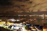 Vista noturna da Baía sul, com destaque para o Iate Clube de Santa Catarina