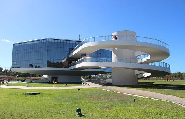Niemeyer vive! Forever!