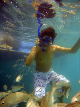 Passeio de Lancha e Mergulho nos Corais de Maracajau