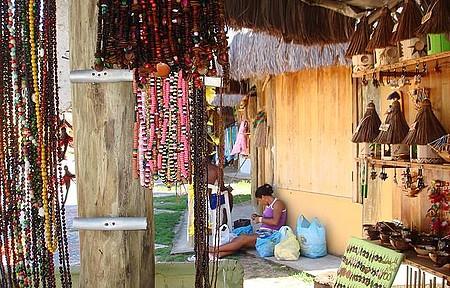 Coroa Vermelha - Artesanato dos Índios Pataxós...