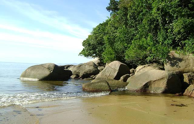 Ponta Direita da Praia - Manh� de Sol