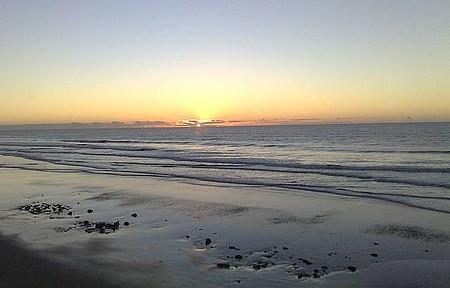 Costa Dourada / BA - Nascer do sol na Praia dos Coqueiros