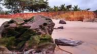 Praia deserta em setembro