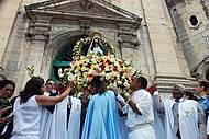 Festa reúne devotos e turistas