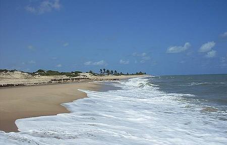 Praia de Pitangui, deserta e linda!