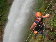 Muita adrenalina! Cachoeira Samambaia.
