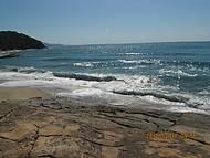 Para quem gosta de se arriscar nas ondas bravas esta praia é perfeita!!