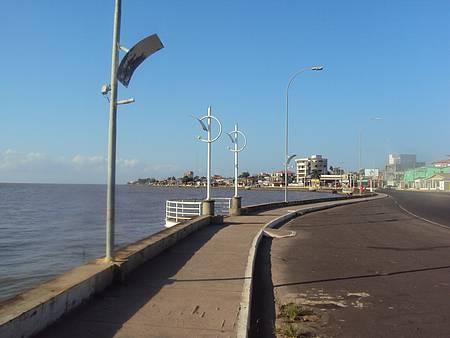 Na Beira Rio,Sta Inês - Na margens do Rio Amazonas,vários restaurantes