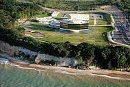 Paisagem perfeita contorna obra de Niemeyer