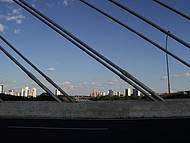 Vista da cidade pela ponte