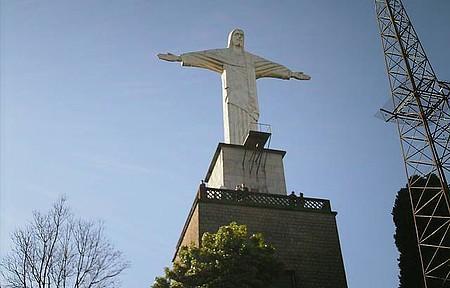Cristo Redentor - Suba de teleférico para ver o Cristo