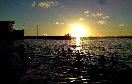 Pôr do sol na praia do Porto da Barra